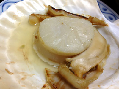 野付産の殻付きホタテ焼き1