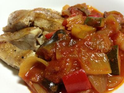 夏野菜のトマト煮込み鶏肉添え2