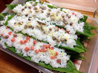 笹寿司調理中1