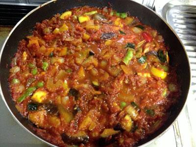 自家製トマトソースでラタトゥイユ