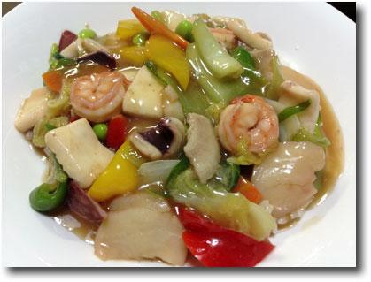 中華丼(イカ、エビ、ホタテ入り)