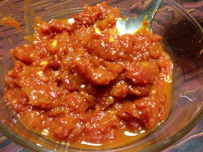 自家製トマトソースでオムライス