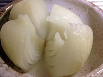 新タマネギを丸ごとレンジでチン2