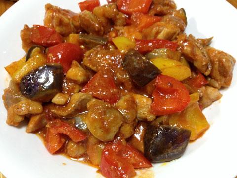 鶏肉のトマトジュース煮込み