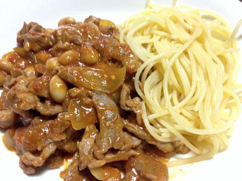 ラム肉と豆のトマト煮とパスタ