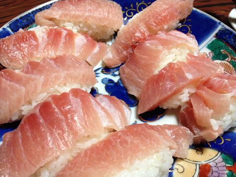 家で握り寿司1