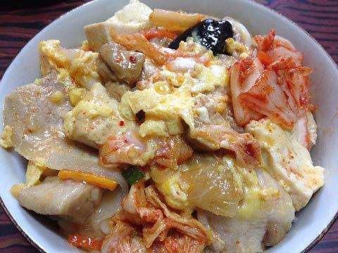 キムチ鍋で丼