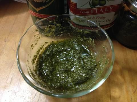 ツブとホタテのオーブン焼き用バジルソース