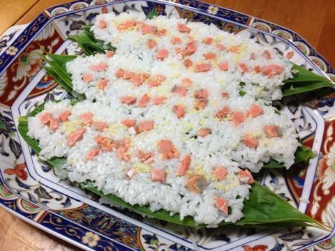 鮭と鰊でつくる笹寿司5