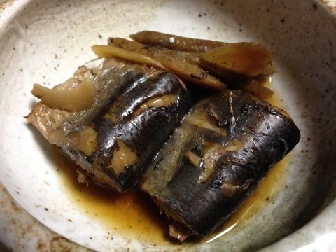 冷凍サンマで黒酢煮