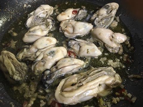 牡蠣のパスタ〜マダラの醤油漬け添え2